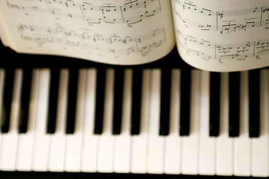 Piano Lessons Surrey