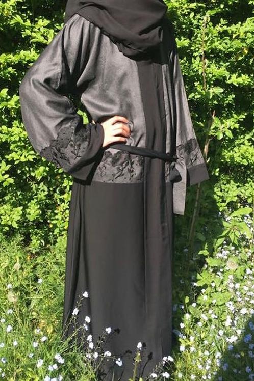 Luxury Arabian Abaya Black / Grey