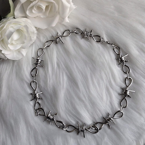 BARBED NECKLACE