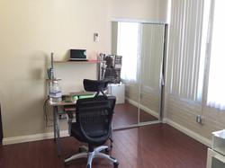 Apt 26-Desk & Closet