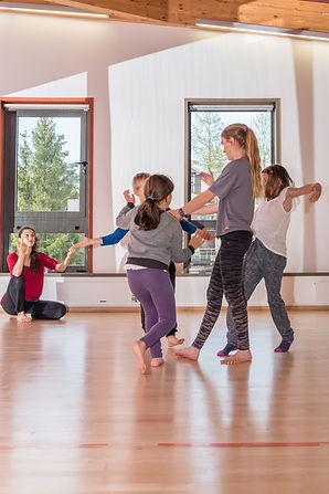 atelier danse groupe moyens (5) YA .jpg