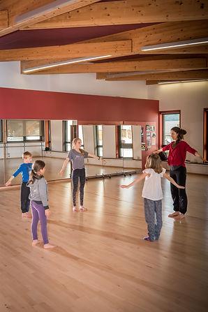 atelier danse groupe moyens (17) YA.jpg