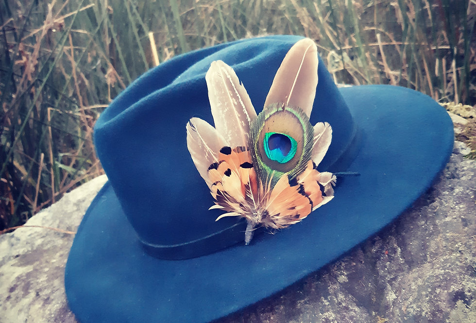 Feather hat mount 1
