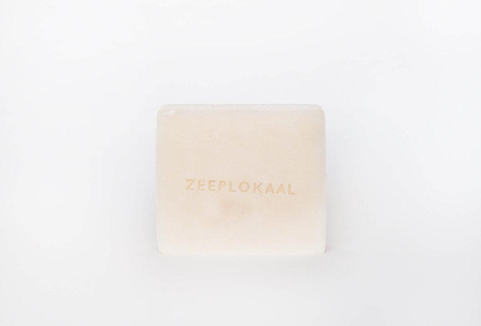Het Zeeplokaal Hair Soap bar | Maca and Grapefruit
