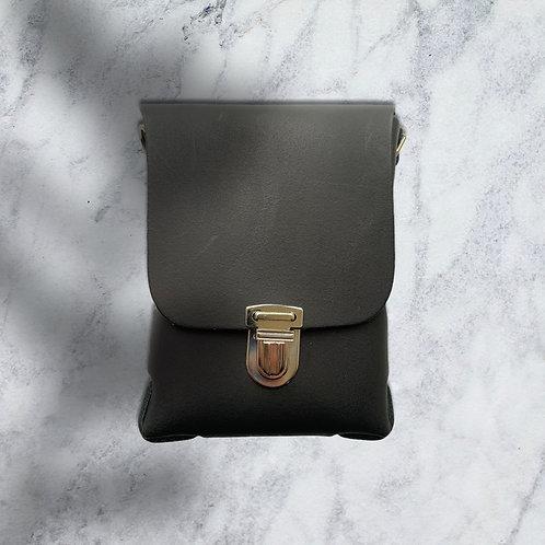 Mint & Molly Leather belt bag