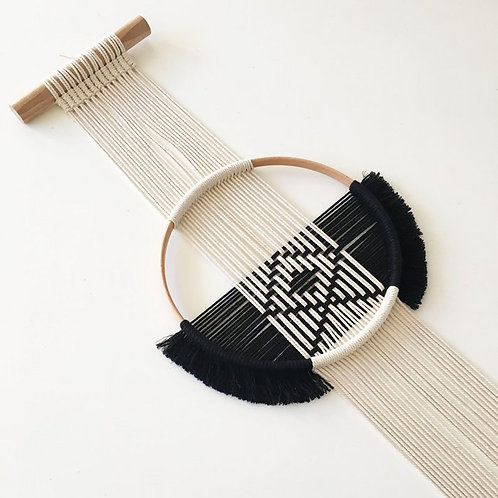Handmade crochet wallhanger | Geo B/N