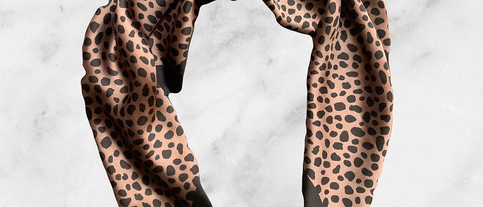 Mint & Molly Square scarf leopard