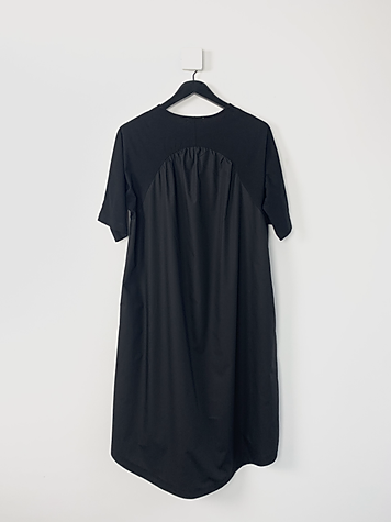 Mint Molly Long tee black back.heic