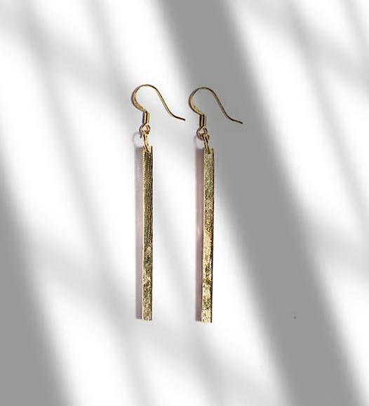 Les Petits Bisous Golden Bar earrings.pn