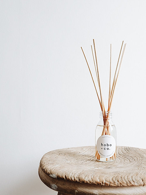 Hobo + Co Raspberry & Peppercorn reed diffuser