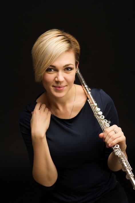 Промо фото флейтистка Зоя Вязовская