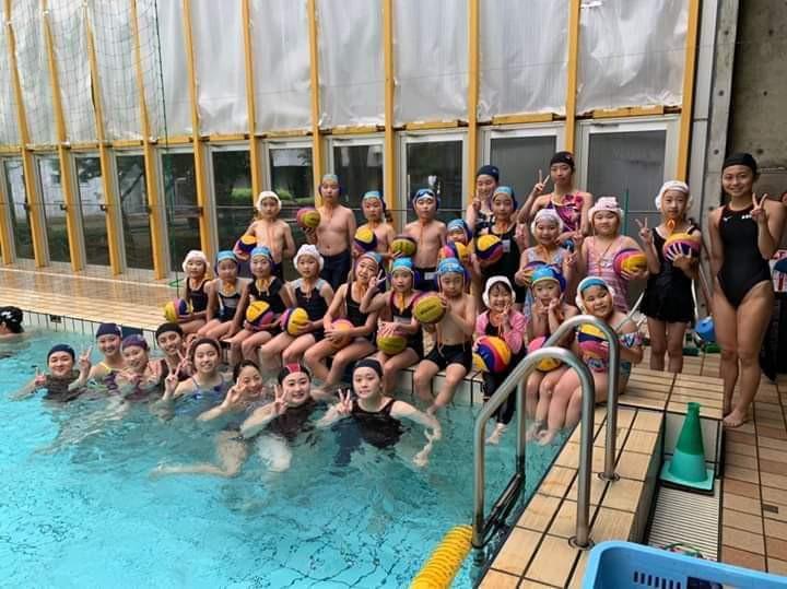 幕総クラブ水泳教室にマウスの子供たちも参加
