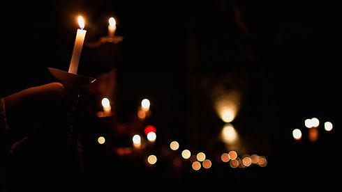 xmas.eve.candles.1.jpg