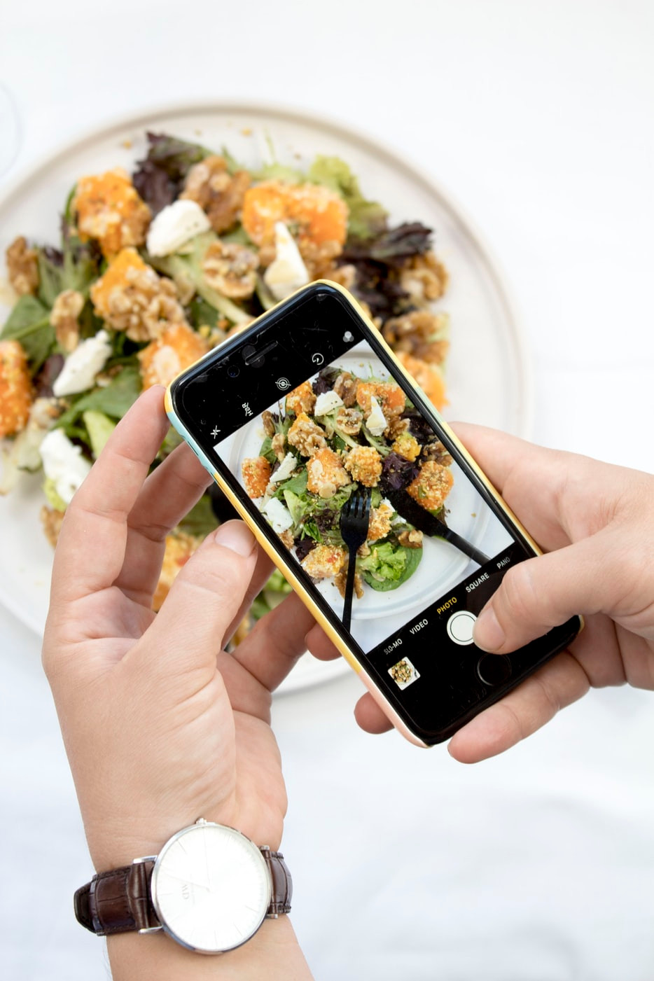 The Effects Social Media Can Have On Our Eating Habits: Two Sides of The Same Coin Femie Magazine