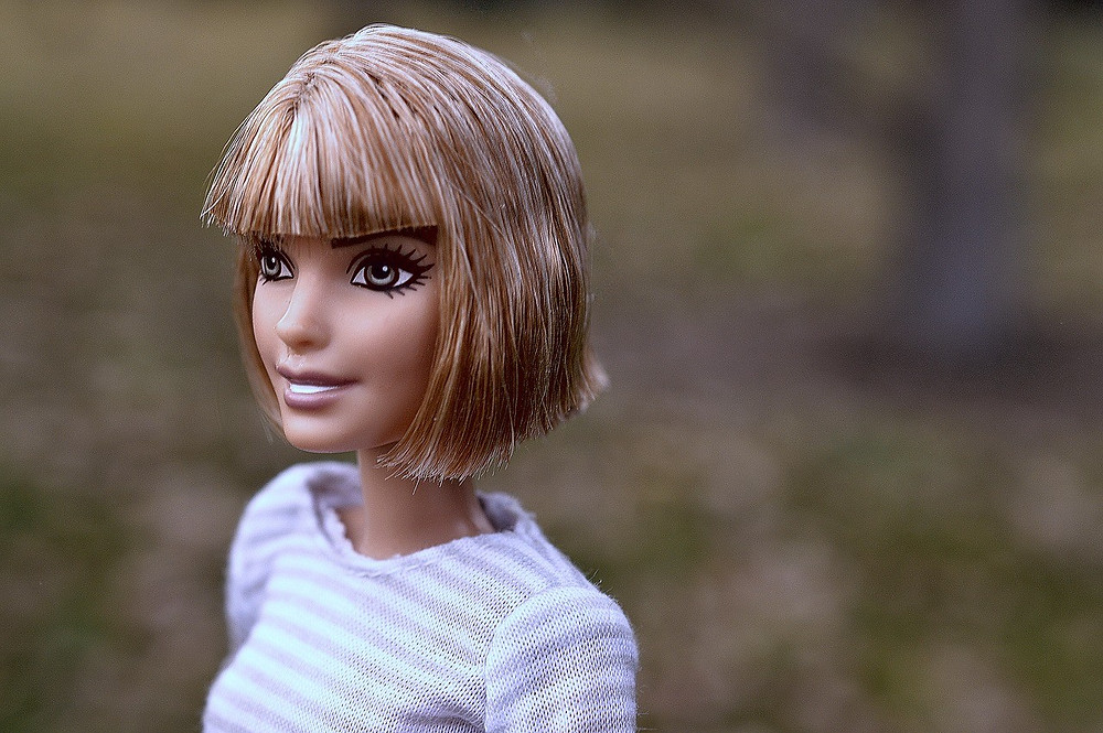 Femie Magazine Is Cutting Your Own Bangs Really That Bad?