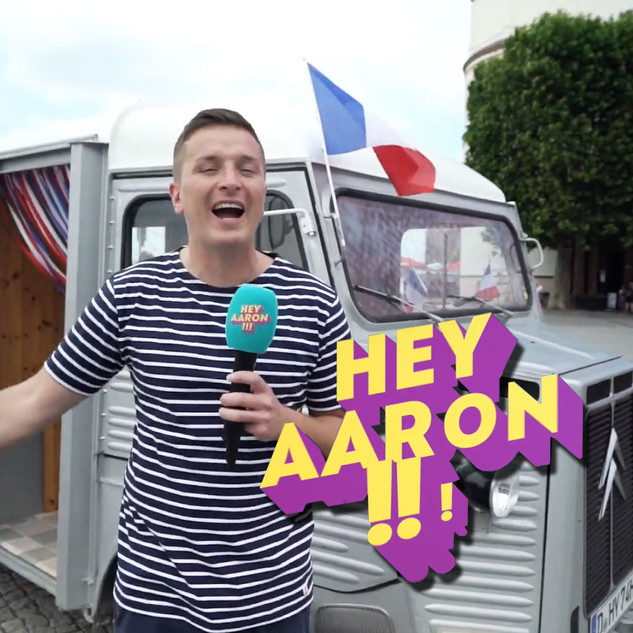 "Influencer ""Hey Aaron!"""