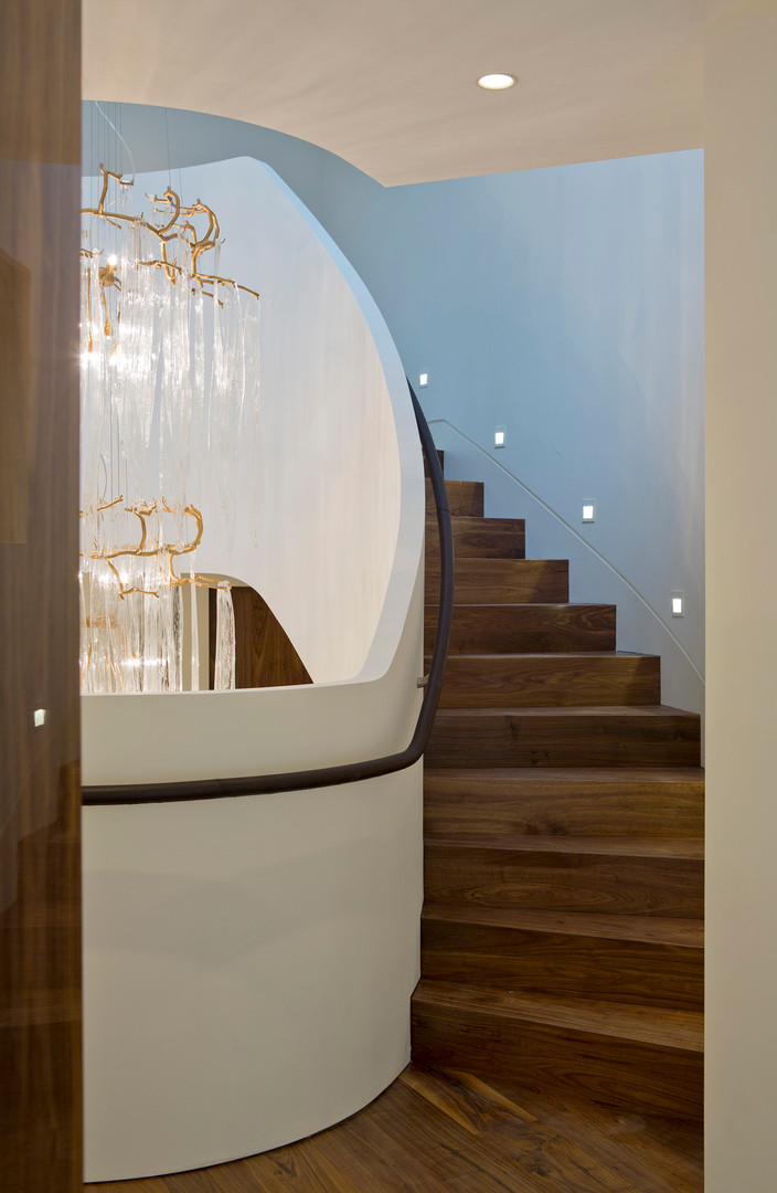 TH3_Stair_chandelier_detail.jpg