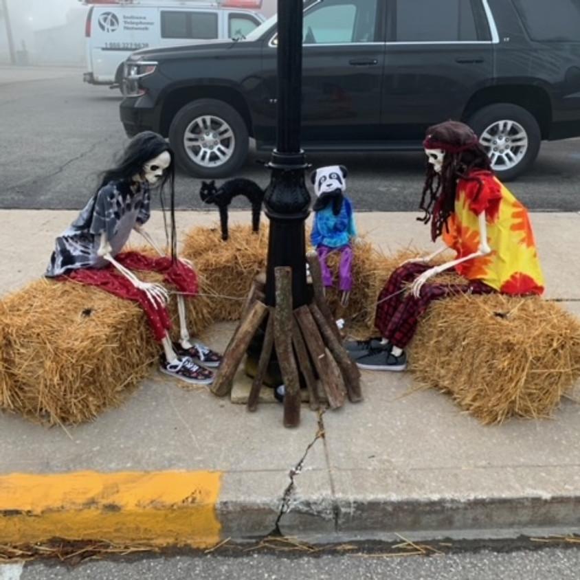 Syracuse Lamp Post Decorating Contest