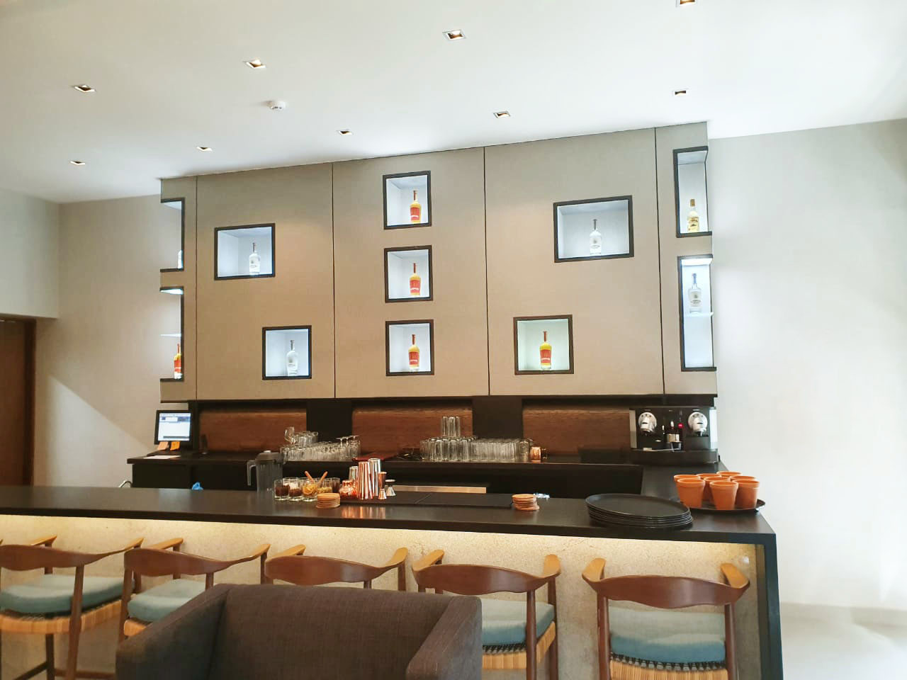 Hotel Restaurant Bar.jpg