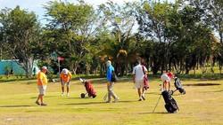 Golfing in Consejo Shores