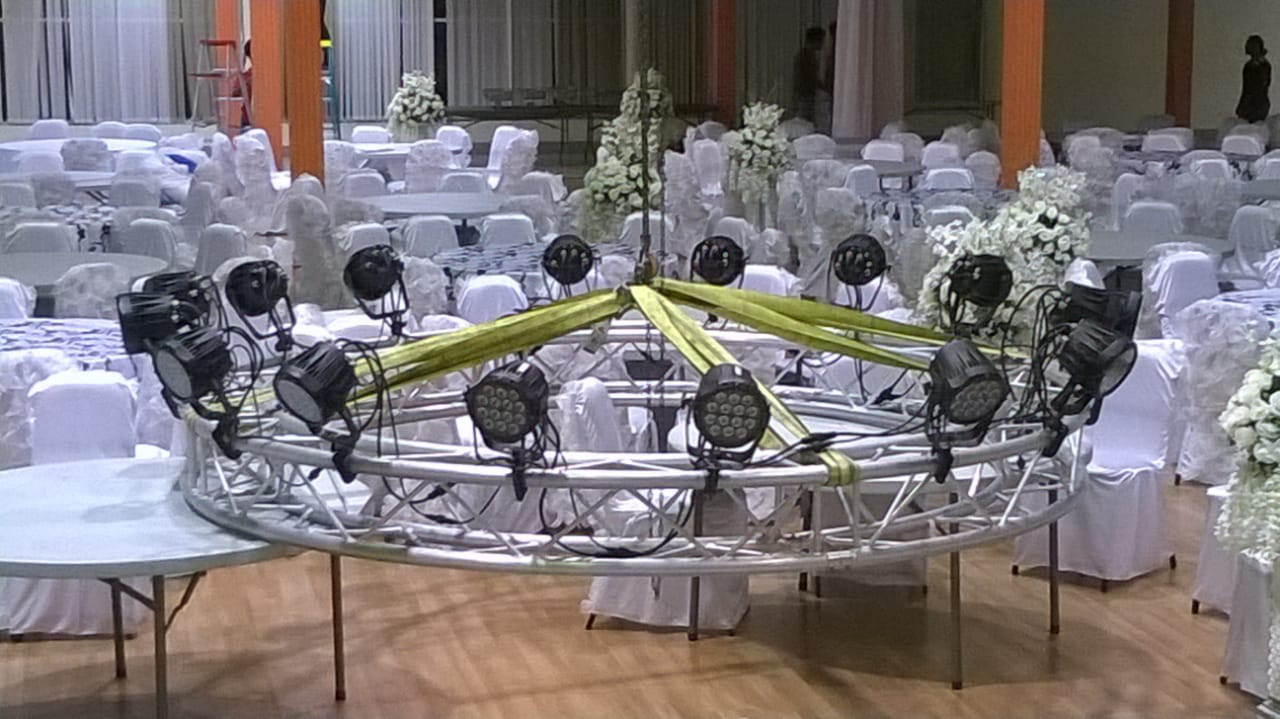 Circle Truss for Wash Lighting