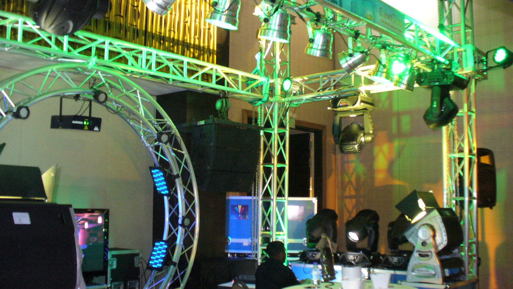 Unconventional Truss Booth