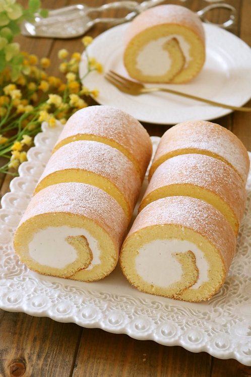 (Whole cake) Japanese Fluffy Airy Vanilla Roll Cake