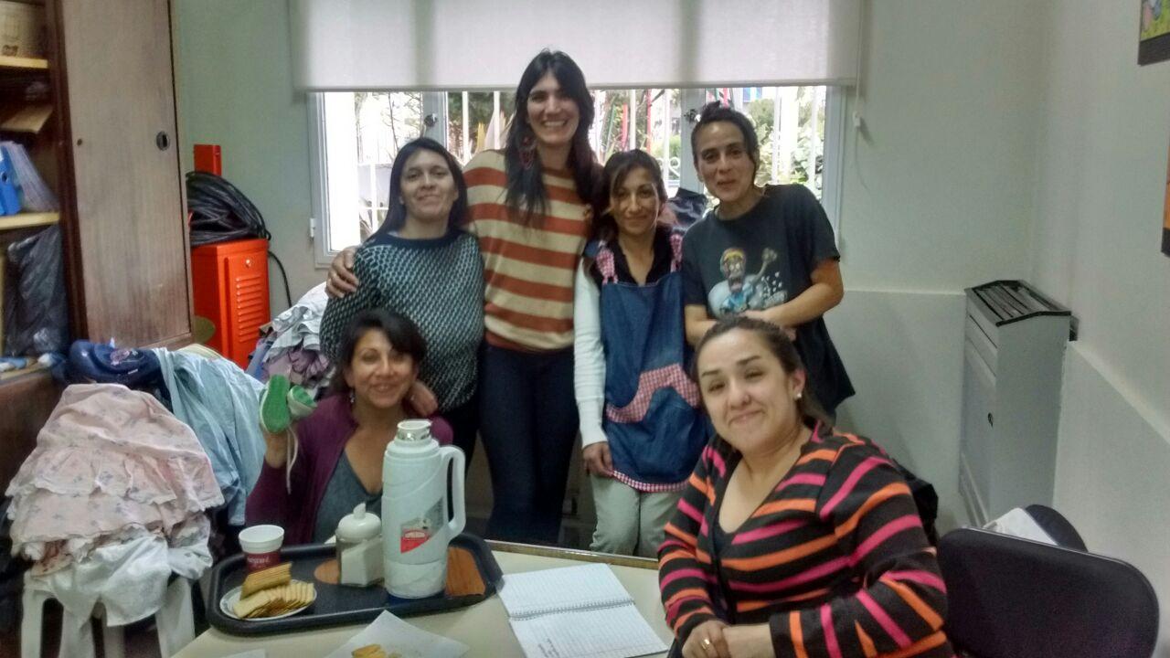 Las familias de los chicos que asisten al Centro de Aprendizaje buscan soluciones a la falta de trabajo (1)