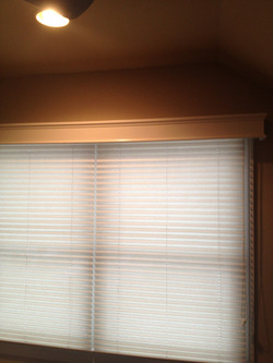 pleated with cornice