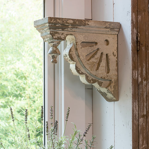 Decorative  Scalloped Corbel