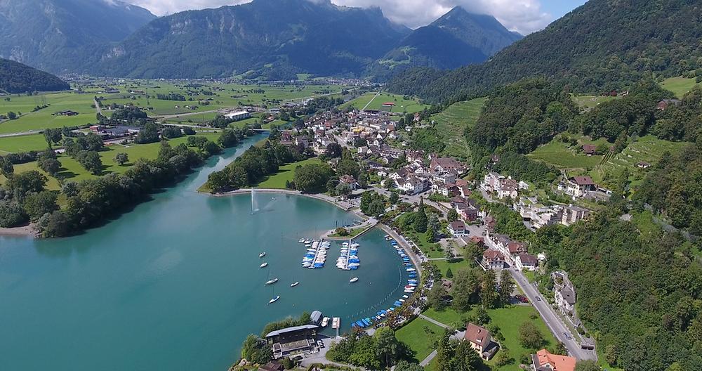 Drohnenbild über Weesen (Walensee)