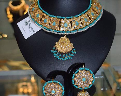 Mehreen Feroza and Kundan Necklace Set.