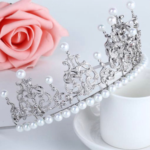 Fermil White gold plated Pearls Tiara .