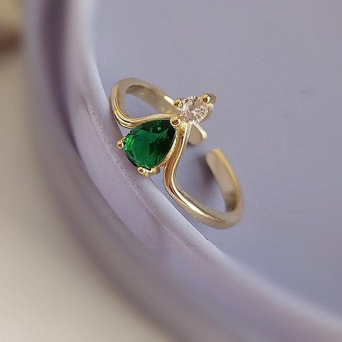 Hayat 925 Sterling Silver Cubic Zirconia Emerald Ring.