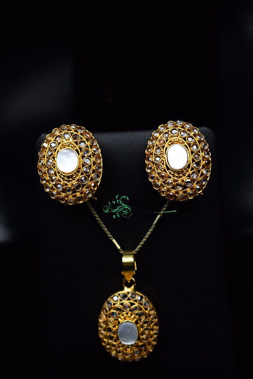 Maria 24k Gold plated Mother of pearl Earrings