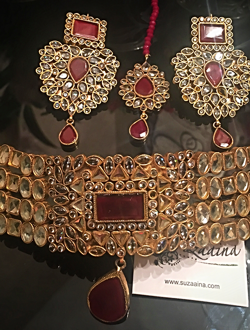 Aleesha Gold plated Handcrafted Thapa Kundan Choker Bridal Set.