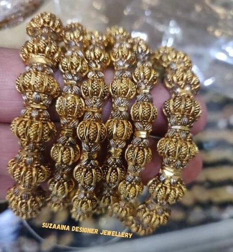 Shang 22k Goldplated Set of bangles