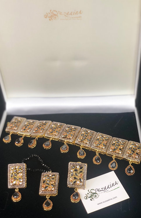 Yumnal 22k Gold plated Handcrafted Kundan Choker Set.