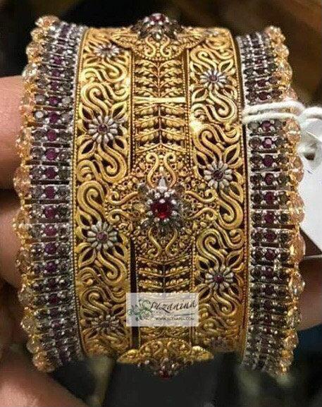 Ghanya 22k Goldplated Bangle