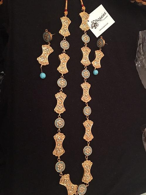 Zalmi Feroza and Kundan Gold plated Handcrafted Mala Set.