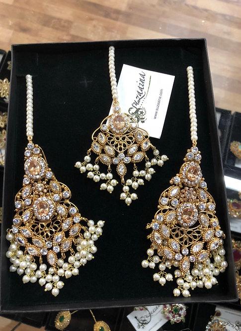 Shan-e-jehan 22k Gold plated Tikka and Earrings Set.