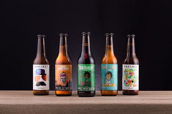 Grupna produkt fotografija pivskih boca