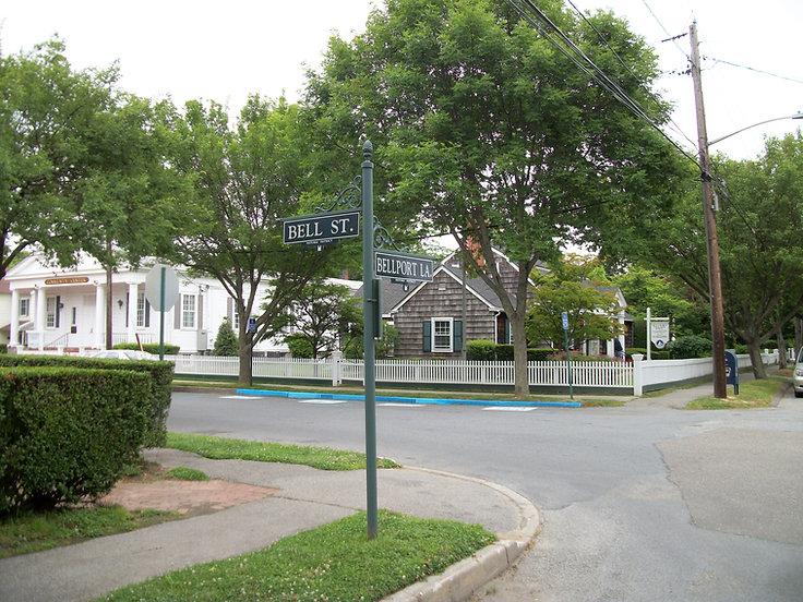 Bellport_Village_Hall;_Bell_Street_&_Bellport_Lane.jpeg