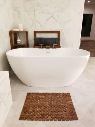 This Master Bath is Modern Fresh and Elegant