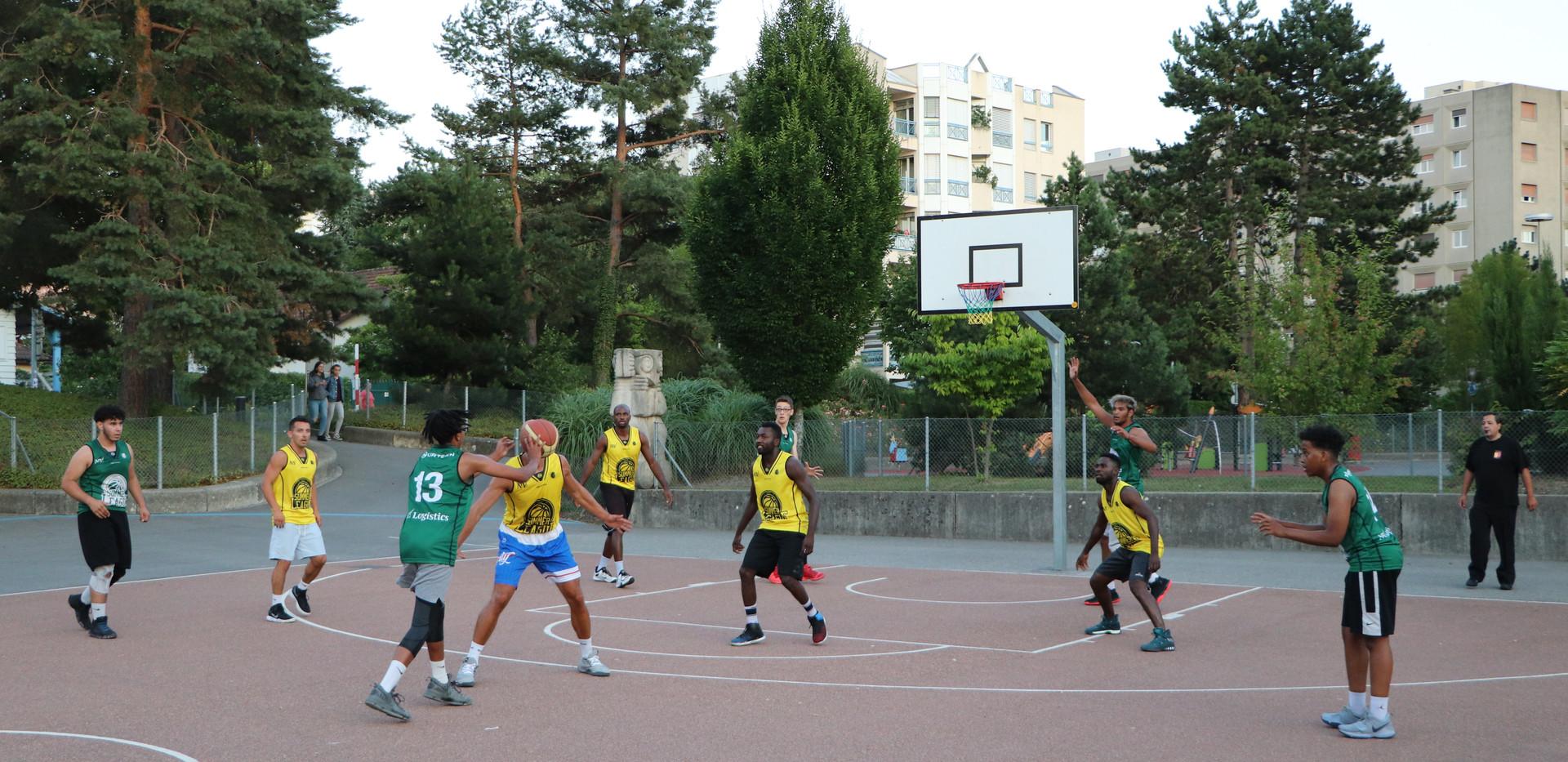Green Team vs Los Biscuitos