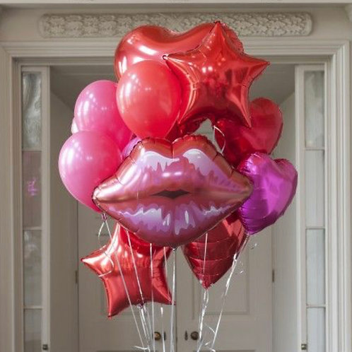 Kiss Me balloon bouquet