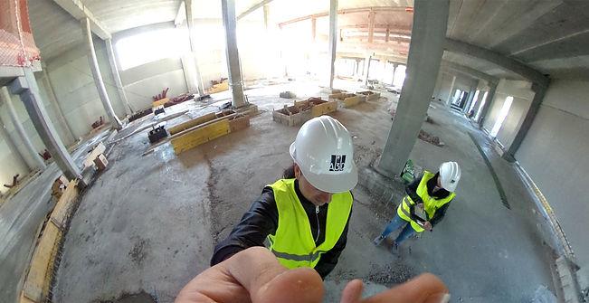 Seguimiento BIM en obra ; Los modelos as-built BIM son cada vez más demandados en obra para garantizar la consistencia de lo construido frente a lo proyectado, con el objetivo de evitar y solventar problemas durante la obra, coordinar los distintos equipos técnicos e instaladores, y poder adelantarse a problemas que puedan surgir durante la construcción.Asimismo, los levantamientos BIM en edificios ya construidos surgen de la necesidad en muchos edificios de un registro preciso y fiable del equipamiento técnico de cara a operaciones de facility management y a la gestión del propio edificio y sus posibles modificaciones.    A3D goza de experiencia en este campo y tiene la capacidad técnica y humana de generar precisos modelos BIM de edificios en construcción o ya construidos, usando nubes de puntos y/o fotografías 3D si es necesario.