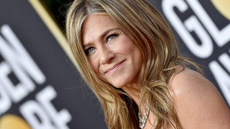 People call out Jennifer Aniston over a Christmas ornament that commemorates 'our first pandemic