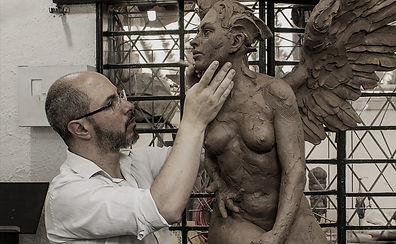 alfredo-araujo-santoyo-escultor_edited.j