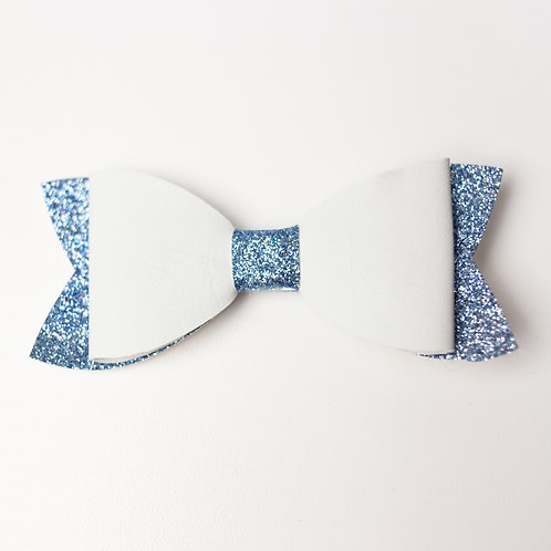 Blanc et bleu - Boucle